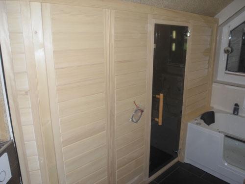 Saunakabine im Badezimmer
