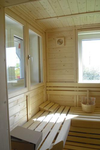 Sauna mit fenster und glaselement - Sauna fenster ...