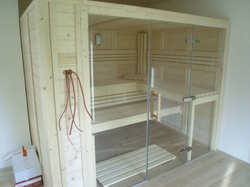 sauna glasfront als dekoratives element. Black Bedroom Furniture Sets. Home Design Ideas