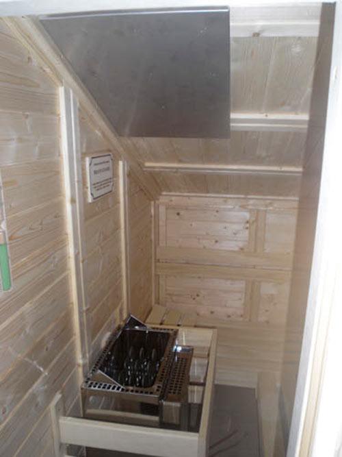 sauna mit ber oder minderh he. Black Bedroom Furniture Sets. Home Design Ideas