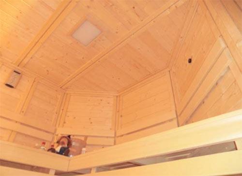 Sauna mit Dachrahmenschräge