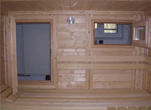 sauna mit fenster und glaselement. Black Bedroom Furniture Sets. Home Design Ideas