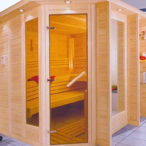 Sauna mit Regalwangen
