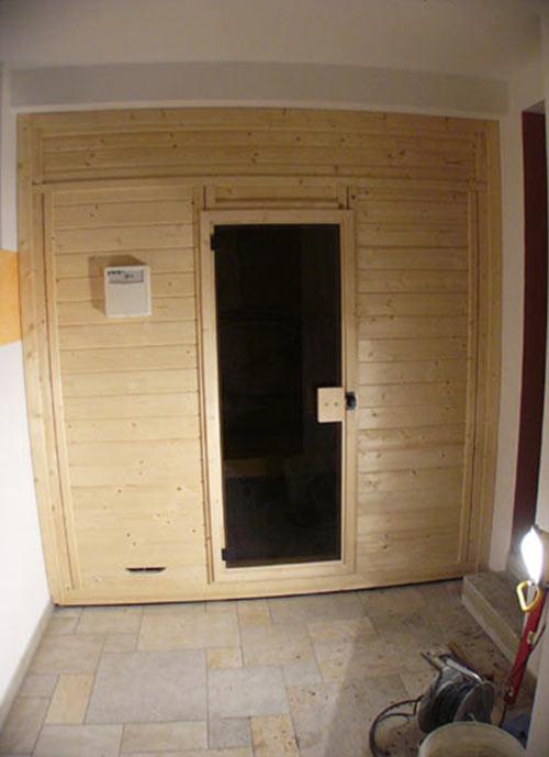 wandhohe verkleidung der sauna. Black Bedroom Furniture Sets. Home Design Ideas