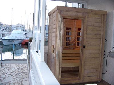 finsterbusch die wellness factory aus chemnitz unsere balkonsauna auf rollen in spanien. Black Bedroom Furniture Sets. Home Design Ideas