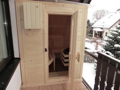 balkonsauna th ringen kundenbeispiel einer finsterbusch balkon sauna. Black Bedroom Furniture Sets. Home Design Ideas